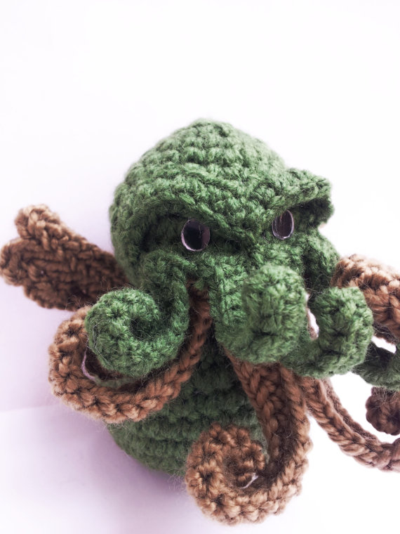 Cthulu Toy Eeehehehe it sort of looks like mine. but a bit cuter ...